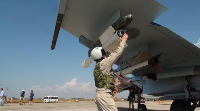 الطائرات الروسية وداعش يستهدفان مقرات للجيش الحر شمالي سوريا