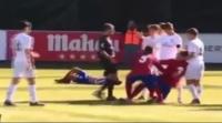 فيديو: لوكا زيدان يحذو حذو والده بنطحه أحد اللاعبين