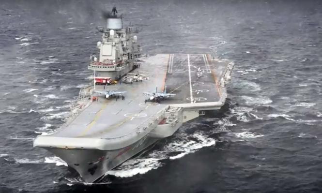 ليبيا: حفتر يزور حاملة طائرات روسية بالمتوسط