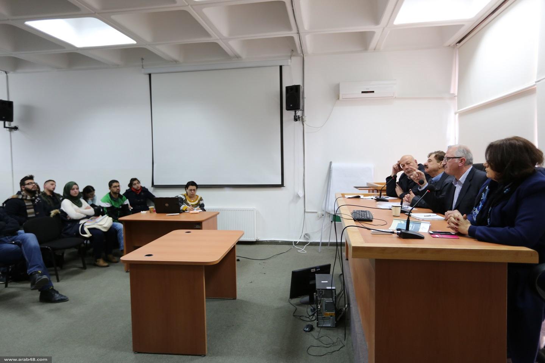 """طلاب العلوم السياسية في بير زيت يناقشون """"التقرير الاستراتيجي"""""""