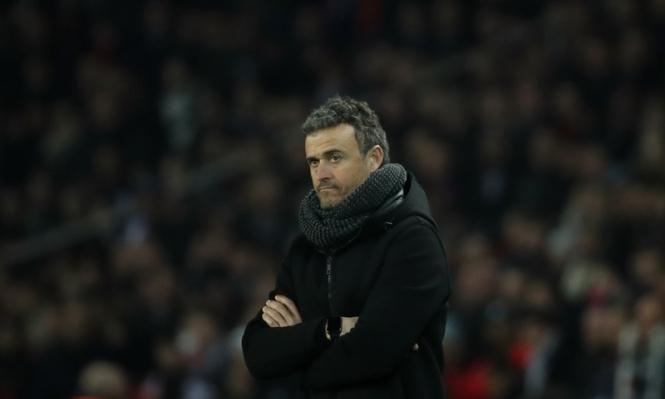 صحيفة تكشف موعد حسم مصير مدرب برشلونة