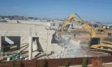 قائد حملات الشرطة لهدم البيوت بادر لبناء غير قانوني
