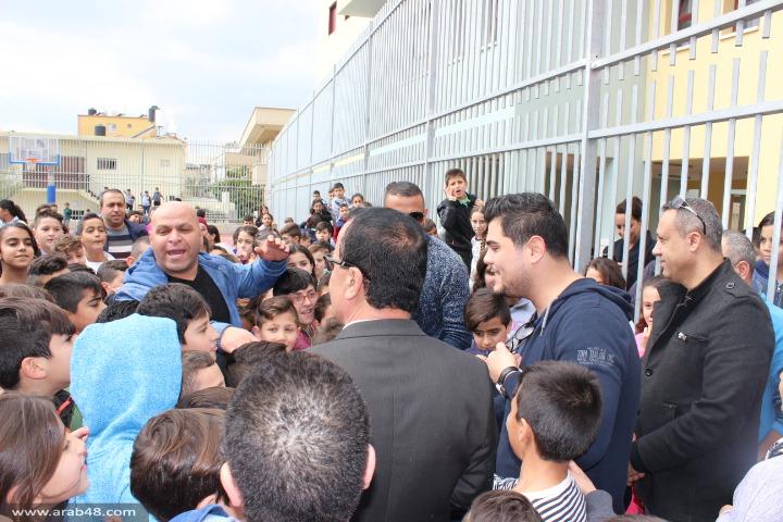 أمير دندن في زيارة إلى مدارس مجد الكروم