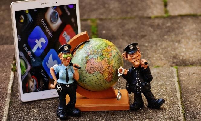 """بث مباشر لجريمة قتل يدفع """"فيسبوك"""" لتسريع مراجعة المحتوى"""