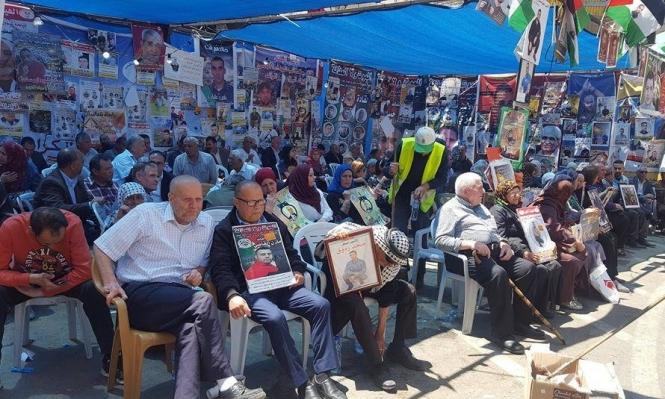 الاحتلال يواصل عقوباته بحق الأسرى الفلسطينيين المضربين