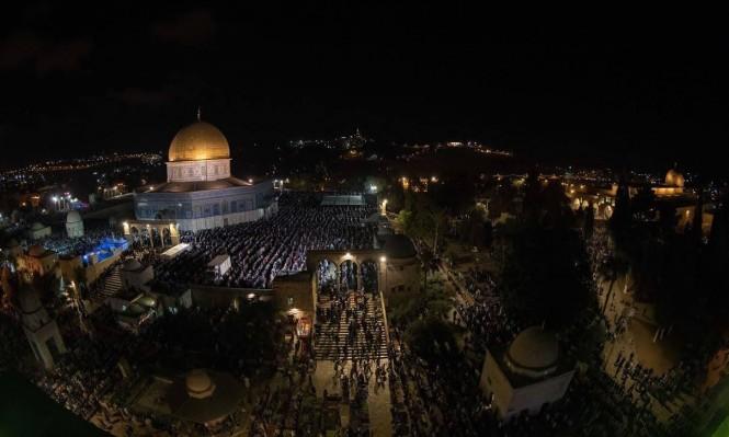 الفلسطينيون يحيون ليلة القدر في المسجد الأقصى المبارك