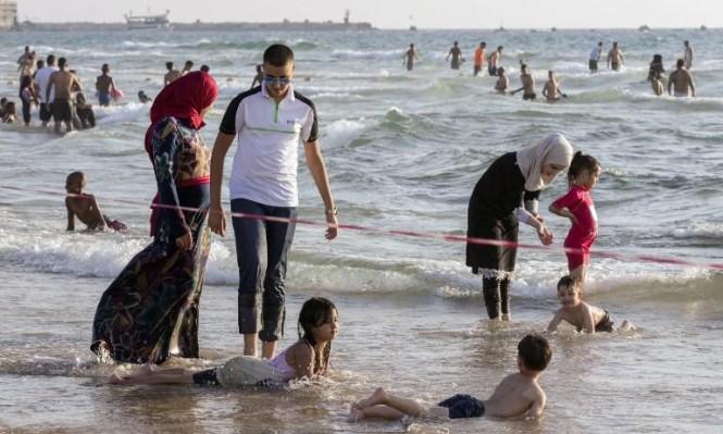 احتفالات عيد الفطر - شاطئ يافا (أ ف ب)