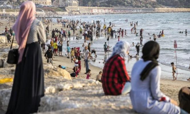 شواطئ يافا خلال عطلة العيد (أ ف ب)