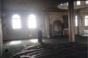 المستوطنون يحرقون مسجدا جنوب بيت لحم