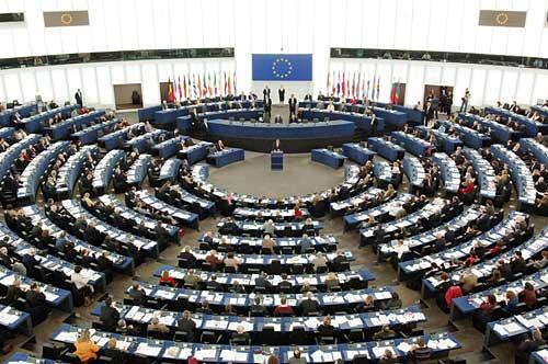"""مشاحناتٌ في البرلمان الاوروبيّ بسبب """"النّازيّة"""""""