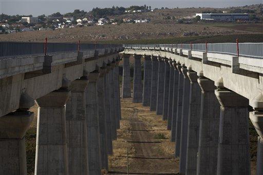 مصادرة خمسين دونمًا من أراضي بيت اكسا لمشروع سكّة حديد القدس – تل أبيب