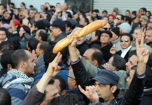 إصابة خمسة مواطنين بالرّصاص وجرح شرطيّ في تجدّد أعمال الاحتجاج بتونس