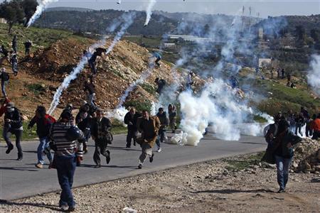 إصابة جنديّ اسرائيليّ وثلاثة متظاهرين في مواجهات بالنّبي صالح