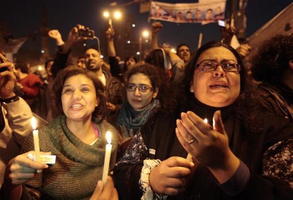 إغماءات وأزمات قلبية بين المتظاهرين في ميدان التحرير
