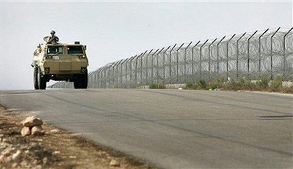 بدو سيناء يعيدون 3 جنود تعرضوا للاختطاف برفح