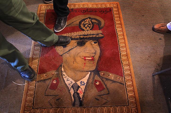 المحكمة الجنائية الدولية: من الممكن التحقيق مع القذافي وأولاده