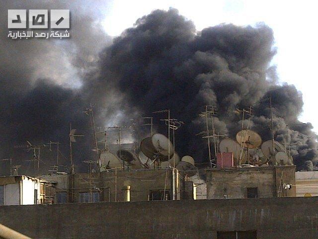 النار تشتعل في مبنى في مجمع وزارة الداخلية المصرية