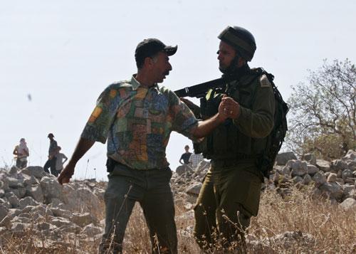 قوات الاحتلال الإسرائيلي تقتحم نابلس والخليل وتعتقل عشرات الفلسطينيين