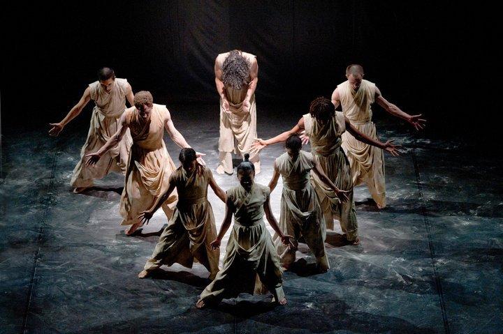 مهرجان رام الله للرقص المعاصر يفتتح أعماله بفرقة جزائرية