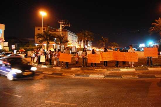 في يوم الأسير: تجمع الطيرة وذوو أسرى يتظاهروت تضامنا مع الأسرى