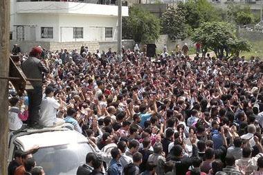 سورية: 6 قتلى في درعا ومظاهرات في بانياس