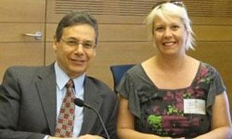 """صحافية تركية """"تنتقم"""" من نائب وزير الخارجية الإسرائيلي"""