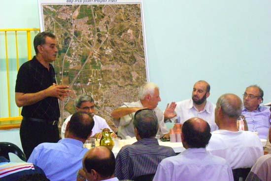 مخطط لمصادرة أكثر من 700 دونم من أراضي جلجولية