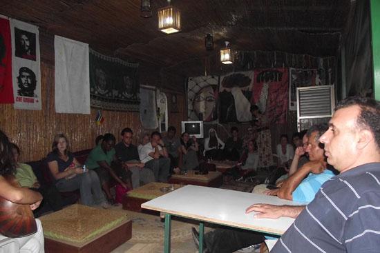 فريق  تضامن من نشطاء أمريكيين يزور خيمة الحرية بمدينة سخنين