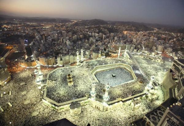 المتر المربع في مكة الأغلى عالميا، و120 مليار دولار استثمارات الإعمار خلال عقد