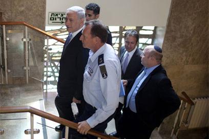 نتانياهو يعلن تشكيل طاقم وزاري لمحاورة المتظاهرين