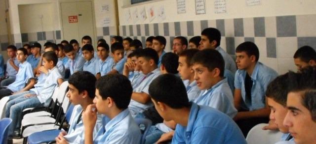 """عرابة: المدرسة الثانوية """"البطوف"""" تحيي ذكرى هبة القدس والأقصى"""
