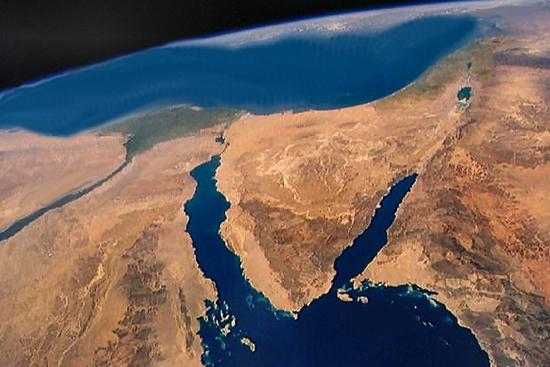 سفير مصري: سيناء هدف إسرائيل
