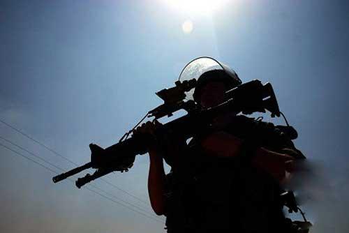 """وحدة """"ريمون"""" الإسرائيلية: حين التقت وحشية أرئيل شارون ودموية ميئر داغان"""