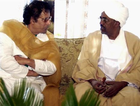 عمر البشير في ليبيا: كنا الرقم اثنين في المعاناة من القذافي