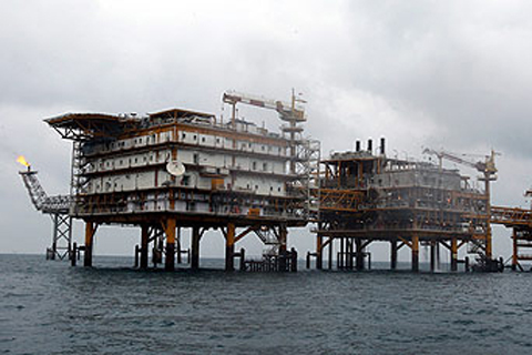 سفراء الاتحاد الأوروبي يناقشون مقاطعة النفط الإيراني وعقوبات على البنك المركزي