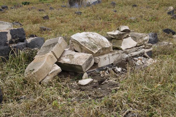 عمليات تخريب في مقبرة بيسان المهجرة