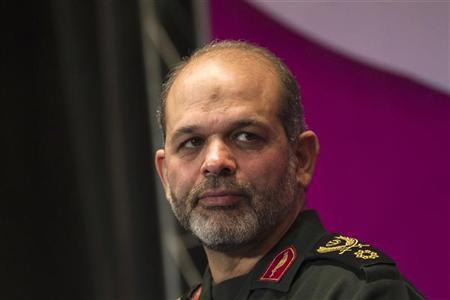 ايران تقول انها صنعت قذائف مدفعية موجهة بالليزر