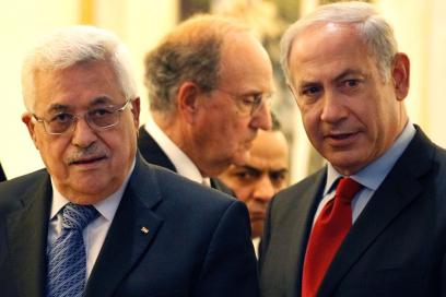 في تعقيبه على اتفاق الدوحة؛ نتنياهو: لا يمكن لعباس امساك العصا من الطرفين