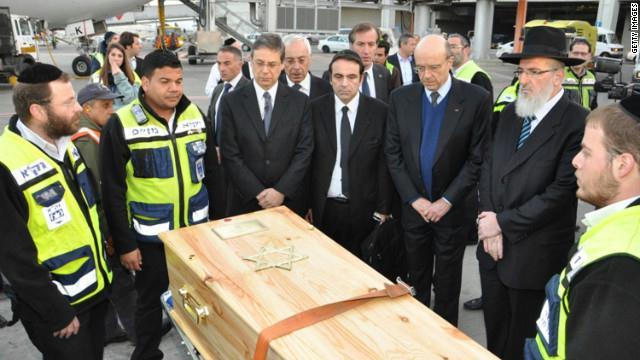 اعداد كبيرة العديد من يهود العالم يدفعون 4.5 الاف دولار ثمن قبرهم في القدس