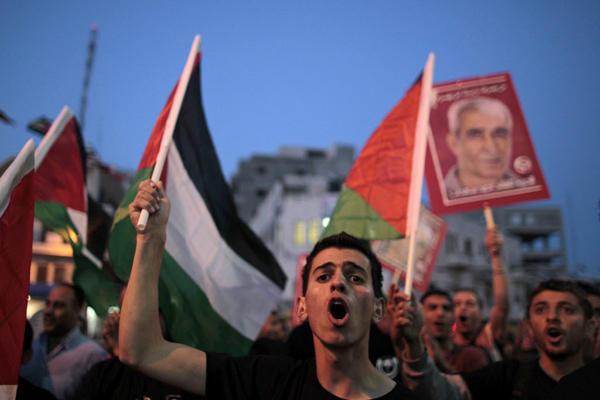 قراقع: إسرائيل لم تنفذ من اتفاق الاسرى حتى الان سوى بنداً واحداً