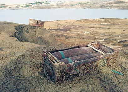 قذائف وألغام وذخيرة وأسلحة بكميات ضخمة شمال البحر الميت