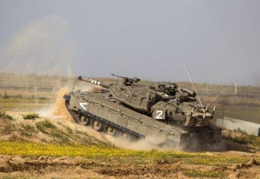 إصابة ثلاثة فلسطينيين في قصف مدفعي اسرائيلي على القطاع
