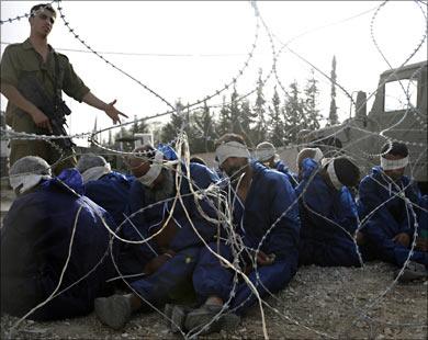 """""""عدالة"""" يرحب بالإعلان عن تجديد زيارات أسرى قطاع غزة في سجون الاحتلال"""