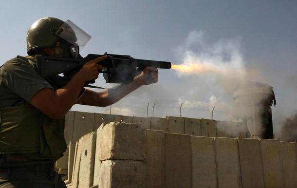 مواجهات مع قوات الاحتلال في راس العامود وقلنديا عقب اقتحام الاقصى