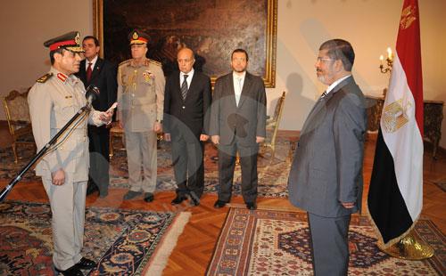 ردود فعل متباينة في الشارع المصري على قرارات الرئيس محمد مرسي