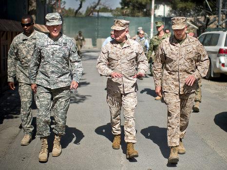 خلال توقفها في قاعدة باغرام: إصابة طائرة رئيس هيئة الأركان الأميركي بصاروخ في أفغانستان