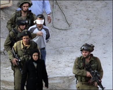 في الذكرى ال12: الاحتلال الاسرائيلي اعتقل 78 ألف فلسطيني منذ اندلاع انتفاضة الأقصى