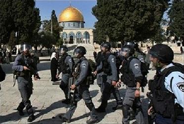 عباس يدعو منظمة التعاون الاسلامي لبحث الاعتداءات الاسرائيلية على الاقصى