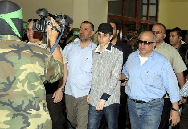 في الذكرى الأولى للصفقة :القسام تعرض فيلما حول عملية أسر شاليط