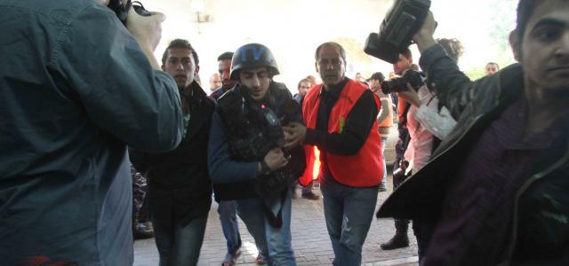 """""""هيومن رايتس ووتش"""": إسرائيل انتهكت قوانين الحرب من خلال استهداف صحافيين ومبان إعلامية في غزة"""
